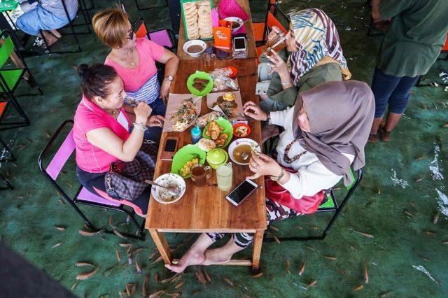 Warung Soto Cokro Kembang Beri Pengalaman Berbeda Santap Kuliner