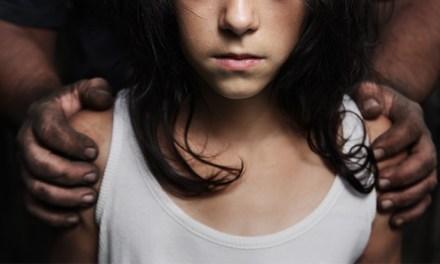 Мајка на 8 годишно девојче го пријавила 55 годишниот маж од Пирава во полиција дека повеќе пати извршил полов напад