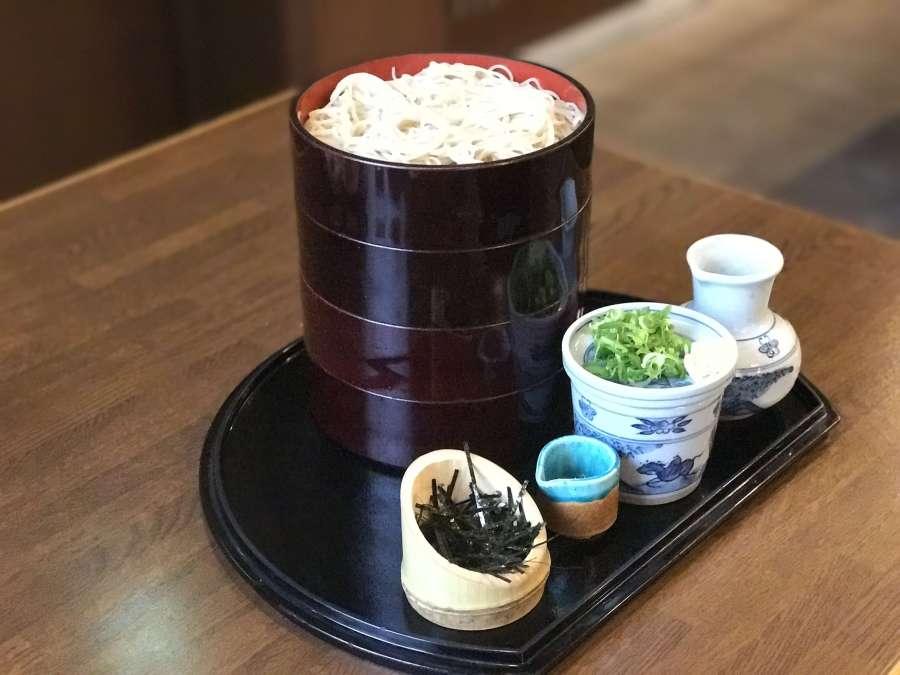 あなたは何段食べられる⁈ 「 うどん そば 松本 」で大ざるそば、チャレンジ