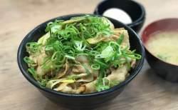 石川県初上陸の「 伝説のすた丼屋 」でスタミナ・ボリューム満点のすた丼食べてみた