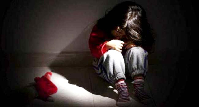 मामाद्धारा १६ वर्षिय भाञ्जी बलात्कार