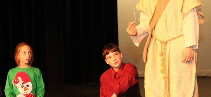 "img=""kids theater"">"