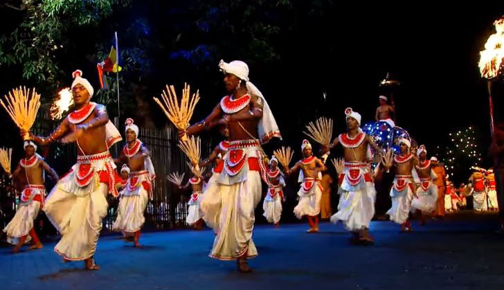 Traditional dancers at Kandy festival