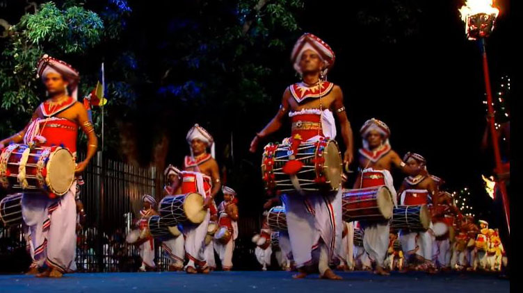 Traditional Kandian drummers