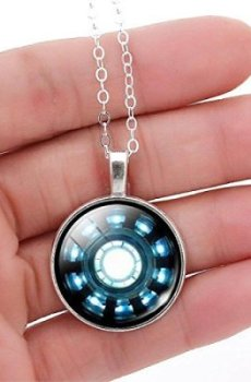Pendant ARC Reactor Replica