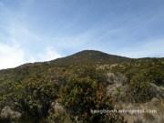 puncak hargo dumilah dari pendakian gunung lawu dari cetho