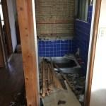 旧浴室の解体