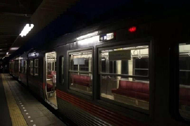 夜中の電車