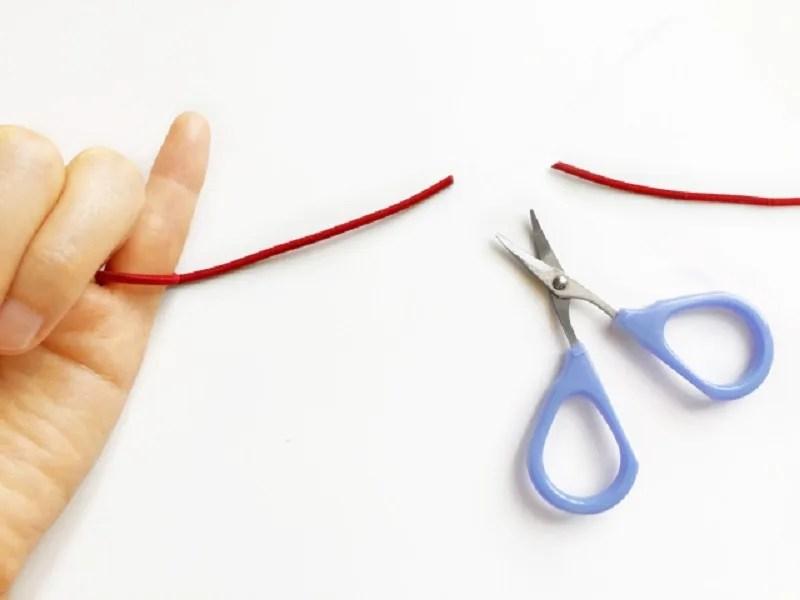 縁切り:赤い糸を切る