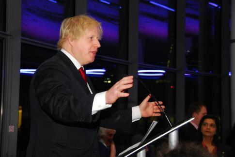 Mayor of London loves KANKUN® sauce2