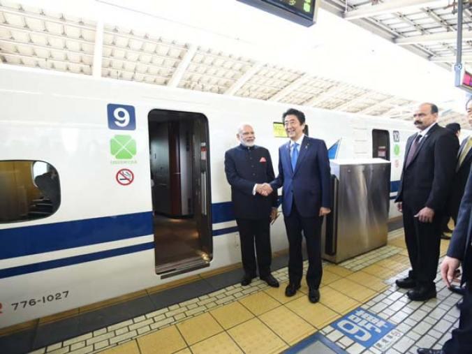 12-1478942638-narendra-modi-shinkansen-06
