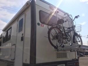 キャンピングカー サイクルキャリアに自転車