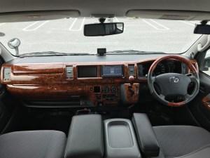 ハイエースキャンピングカーにバックモニター・ETC・カーナビ