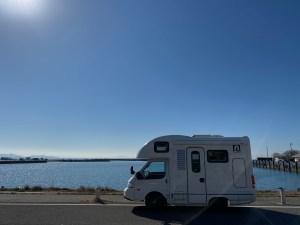 キャンピングカーと琵琶湖 atozのライトキャブコンアミティ 滋賀県長浜市のキャンピングカーレンタル滋賀カノアカーレンタル