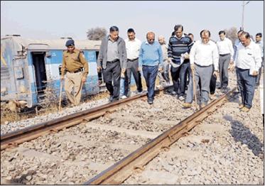 भ्रष्टाचार की शिकायतों में रेलवे अव्वल