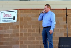 2015 Kansas Auctioneer Championship finals judge, Troy Lippard, sells an item.