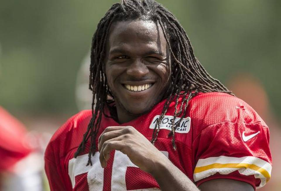 Jamaal Charles 2018: Wife, Tattoos, Smoking & Body Facts