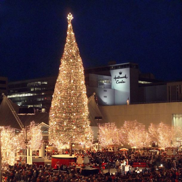 Holiday Lighting Ceremonies in Kansas City - Mayor's Christmas Tree at Crown Center