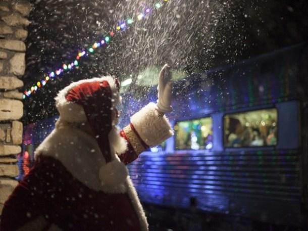 Branson Polar Express - Santa waving as the train pulls away