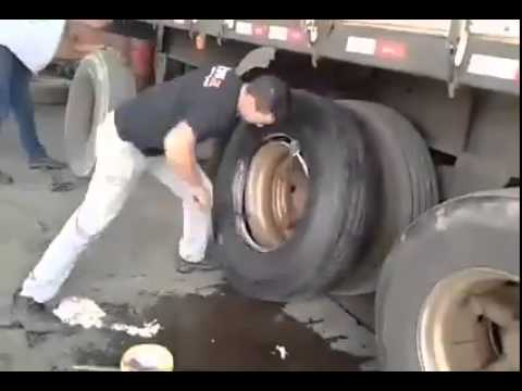 Change A Truck Tire Like 1,2,3! Very Clever DIY Tutorial