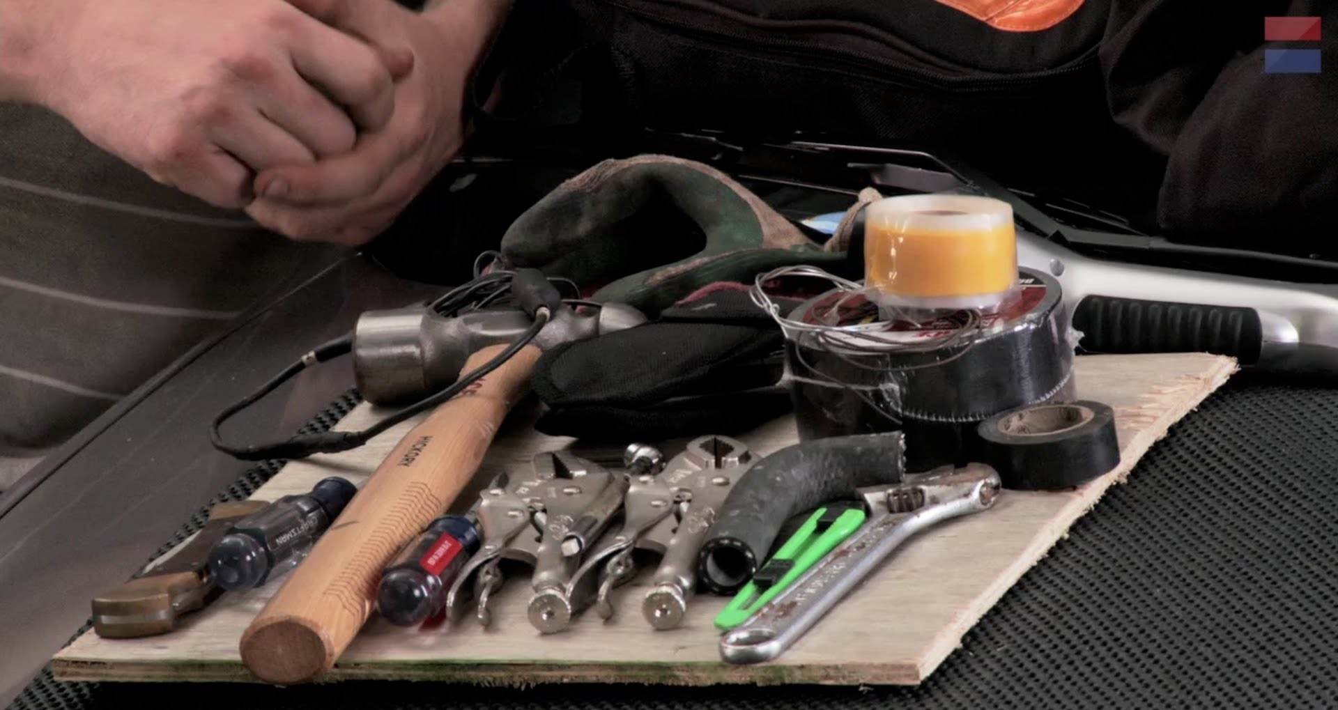 How to Prepare for Roadside Emergency Repairs