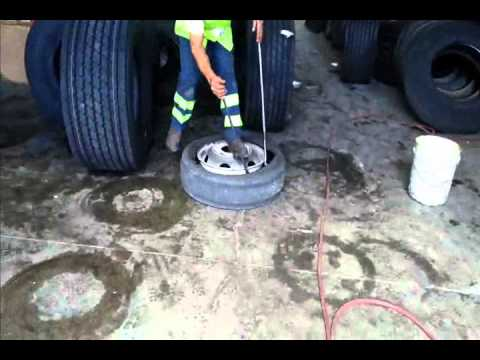 Mounting commercial truck tires