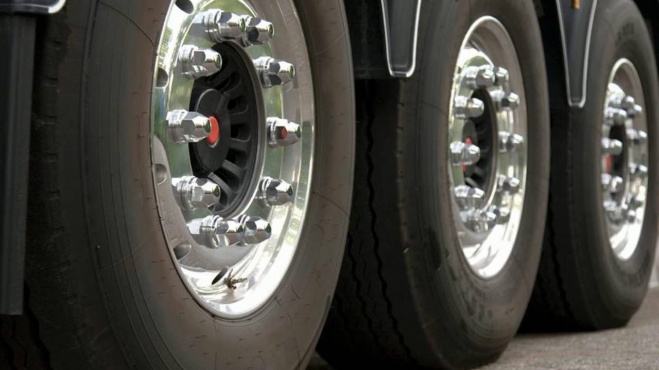 Semi Truck Tire Shop Ocala FL - J & M Truck and Trailer Repair, Inc
