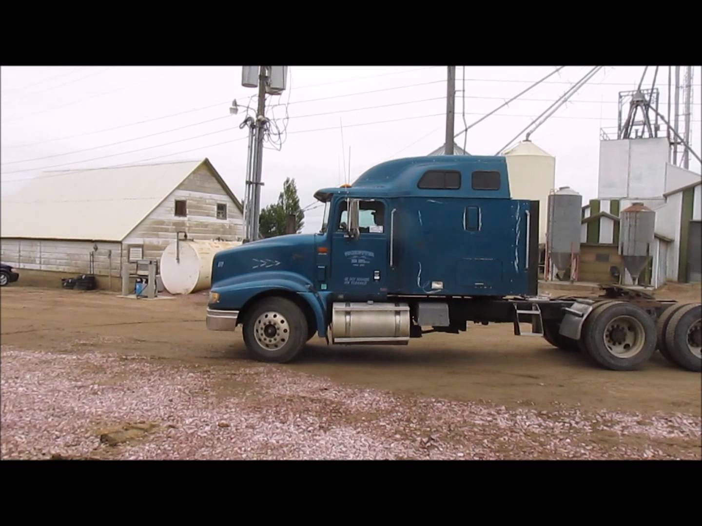 2000 International 9400 Eagle semi truck for sale | sold at auction October 22, 2014