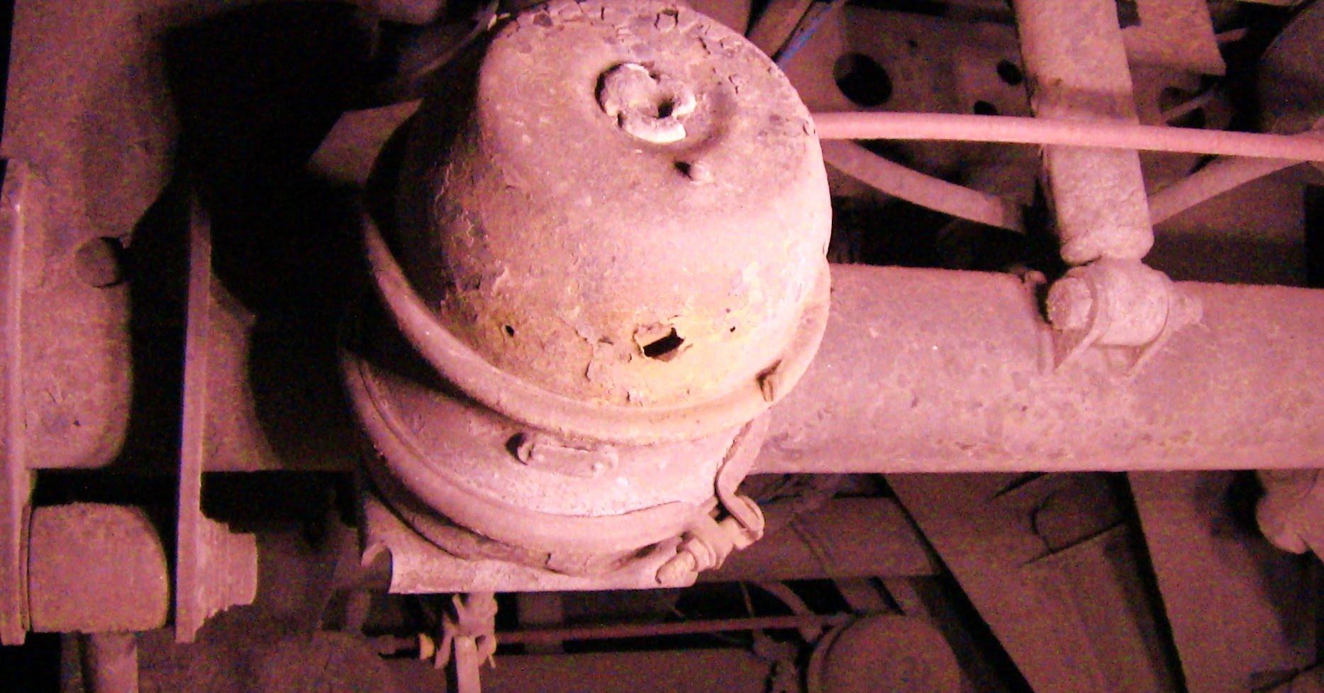 Brake Chamber Blows A Hole!!