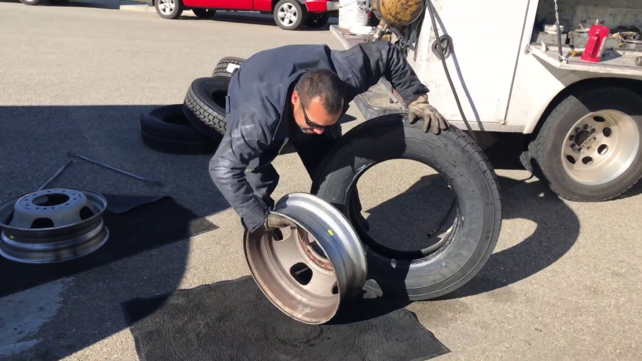 Replacing Tires On Svc Truck 19.5