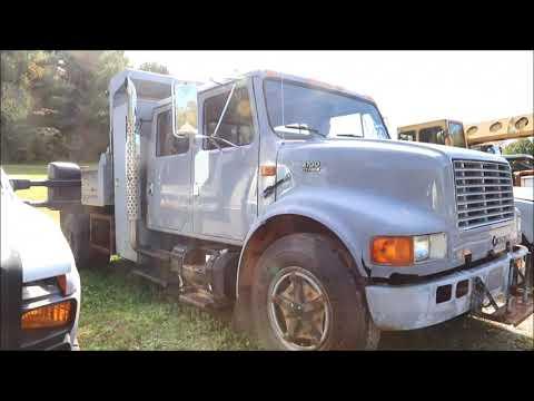 1999 International 4700 Dump Truck, Lot 38