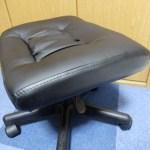 椅子で脚を伸ばしてもあぐらをかいても自由「オットマン 100-SNC035/サンワサプライ」レビュー