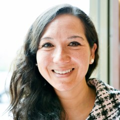 """Entrevista a la psicóloga María Luisa Chávez Kanashiro, sobre """"Aprendiendo a ser mejores padres"""""""
