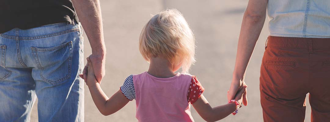 Ini Alasan Kenapa Pengangkatan Anak Harus Seagama