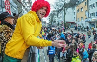Kanu-Rennsport Olympiasieger als Pumuckl beim Karneval in Essen