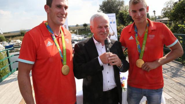 Sponsoring Vertrag für Sebastian Brendel und Jan Vandrey