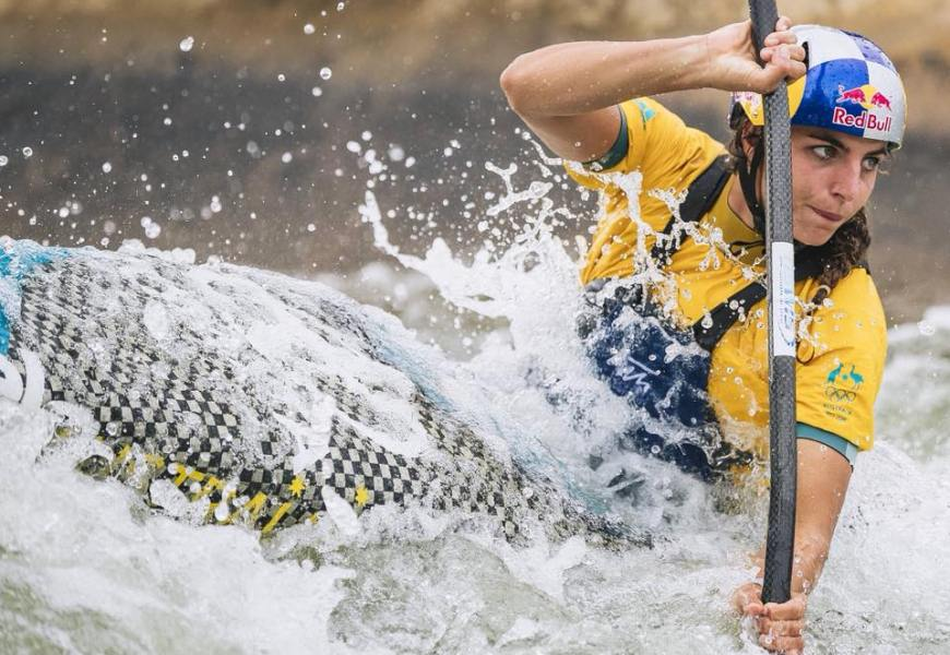 Jessica Fox zerschmettert die besten Kanuslalompaddler der Welt