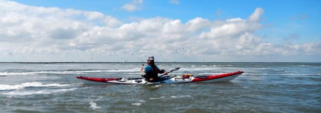 Autor Lars Klüser in einem seiner vielen Kajaks für das Meer.