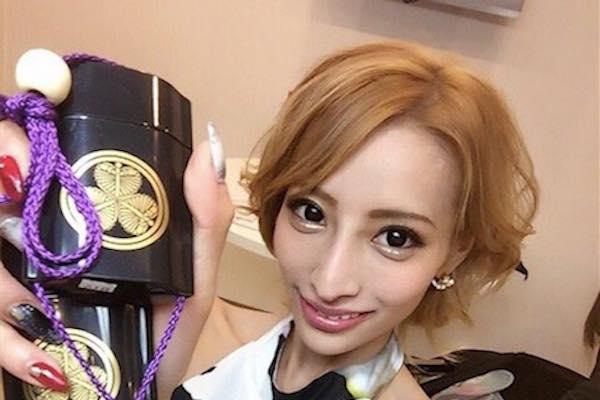 加藤紗里の安田女子高の卒アルが可愛い!現在は整形失敗