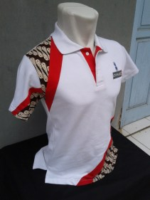 Polo Shirt Tampak Samping Kanan