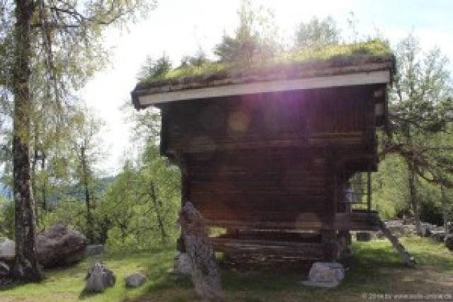 Ein typisches norwegisches Vorratshaus Typisch für das Telemark sind diese Speicher- oder Vorratshäuser. Sie stehen nicht nur im Museum, sondern sind auch in der Region immer wieder zu sehen