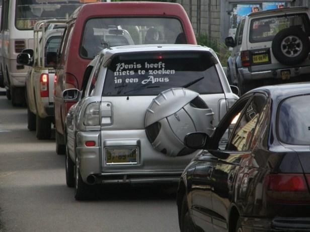 Suriname tekst auto