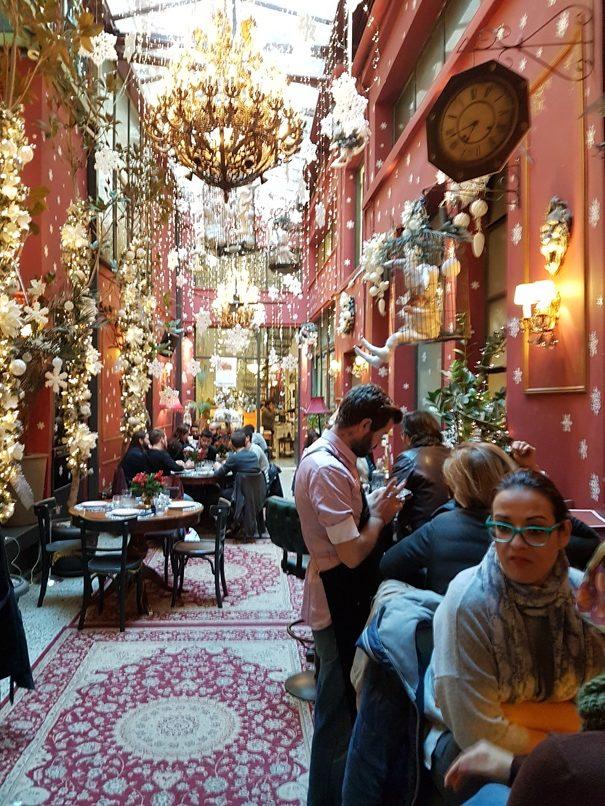Athene Noel cafe