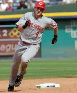 Drew Stubbs rounds the bases
