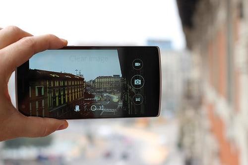 15703314754_07fb760bd4_smartphone-lens