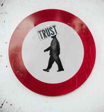 Introducing accountability via verified authorship will restore trust © Bernard-Herman/Unsplash