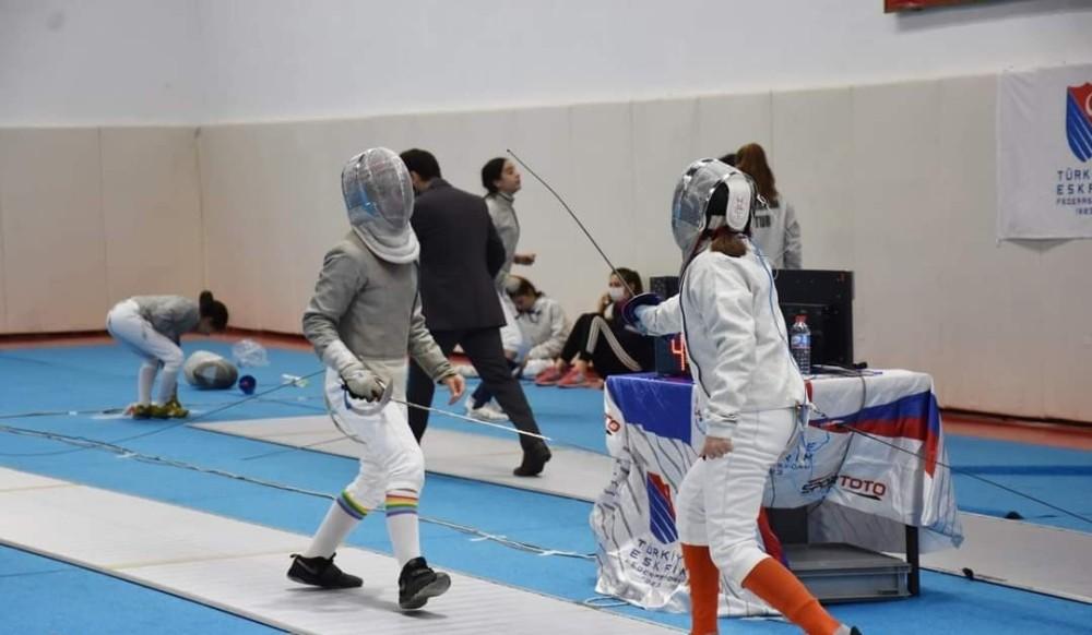 Safran Eskrim Açık Kılıç turnuvası sona erdi