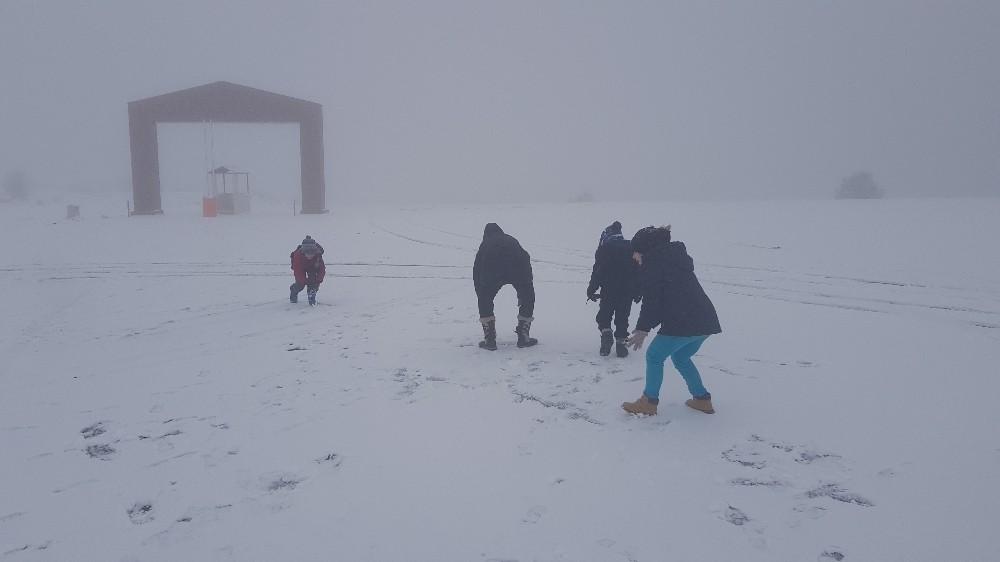 Karabük'te kar yağışını gören Keltepe Kayak merkezine koştu