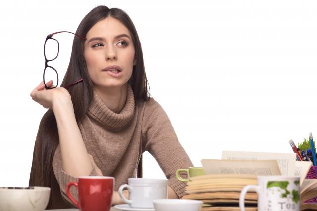 食べ物を噛む時に唇も噛んでしまうのは病気?癖とストレスの関係