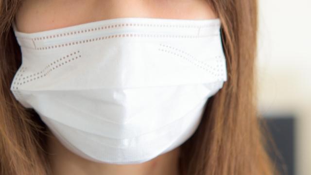 アトピーで顔を隠したい…マスクの選び方と注意点